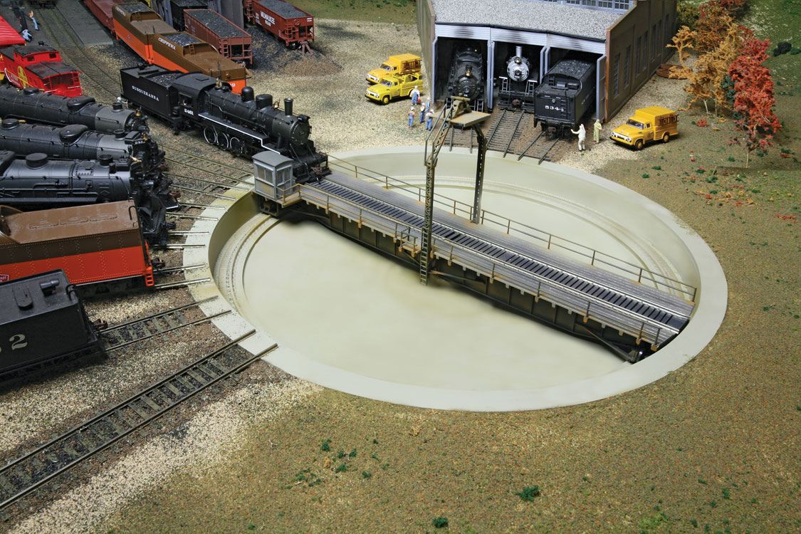 Motorized 90 ft turntable