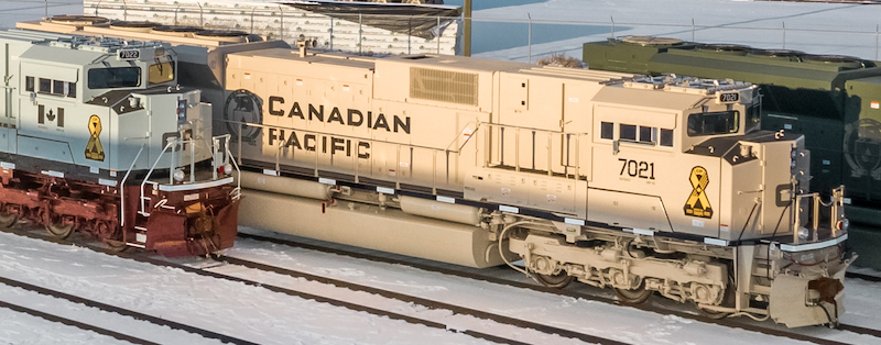 Canadian Pacific Military Locomotives Canadian and U.S. armies apply to fighting vehicles Dessert